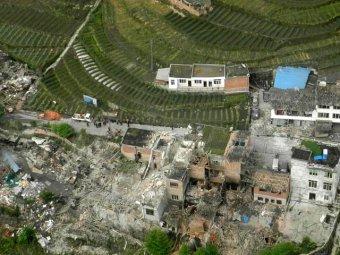Мощное землетрясение в Китае: 156 погибших, свыше 6000 раненых