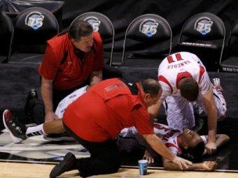 Ужасная травма американского баскетболиста шокировала игроков и зрителей