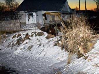 В Нижегородской области три дома ушли под землю