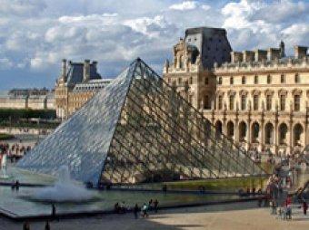 В Париже из-за карманников закрылся Лувр
