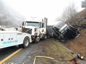 В США столкнулись 75 автомобилей