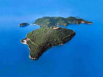 Неизвестный олигарх из России купил самый известный греческий остров