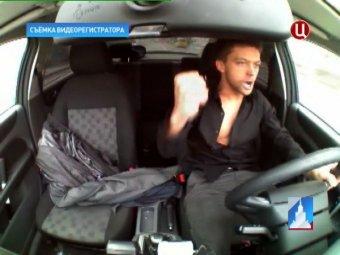 В Москве наркоман угнал машину ДПС и устроил гонки, протаранив три автомобиля