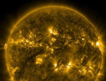 В ближайшие часы Землю накроет мощная солнечная буря: многим станет плохо