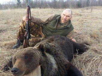 Прокуратура проверяет законность охоты на медведя Николая Валуева
