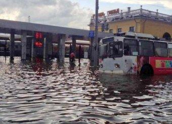 Ярославль ушел под воду после мощного ливня