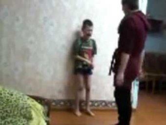В Амурском детдоме воспитанницы издевались над малышами на камеру