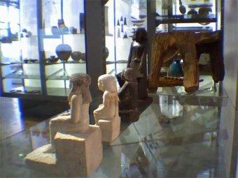 В музее Манчестера сама по себе начала двигаться статуя древнеегипетского бога