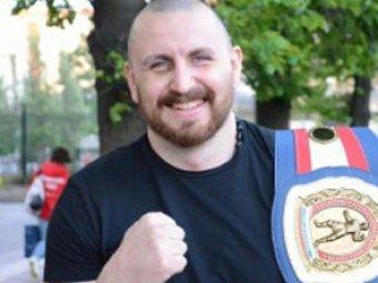 На российского чемпиона мира по боксу совершено массовое нападение