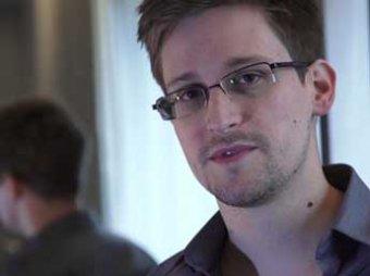 """Сноуден рассказал, как """"изнутри"""" получил секретные данные о слежке спецслужб"""