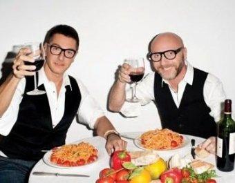 Знаменитых дизайнеров Дольче и Габбану приговорили к тюрьме