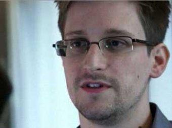 Сноуден заметает следы: его не нашли на борту рейса в Гавану