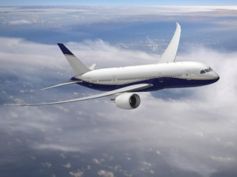 Пассажирский Boeing два часа кружил над Внуково из-за проблем с шасси