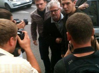 Полиция задержала оппозиционера Лимонова в центре Москвы