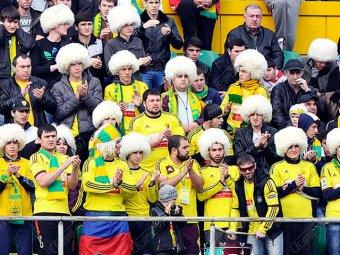 Фанаты «Анжи» после проигрыша закидали камнями автобус болельщиков «Ростова»