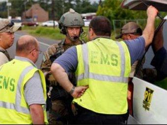 В Америке вооруженный мужчина захватил в банке троих заложников