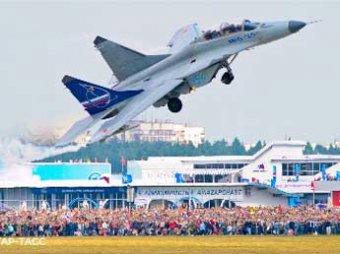 Авиасалон МАКС-2013 открыт: Медведев провел сеанс связи с МКС