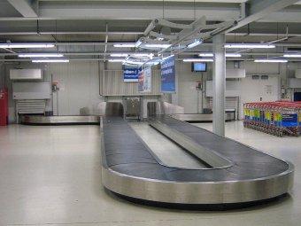 В испанском аэропорту на ленте для багажа погиб младенец
