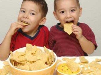 Ученые: чипсы вызывают необратимые изменения в мозге ребенка