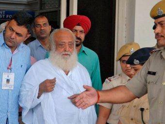 72-летний индийский гуру изнасиловал 16-летнюю девушку, чтобы изгнать из нее бесов