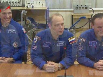 Экипаж МКС впервые вынесет олимпийский факел в космос