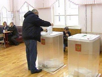 Выборы мэра Москвы: Собянин пришел на участок вместе с женой, Навального с семьей встречали с музыкой