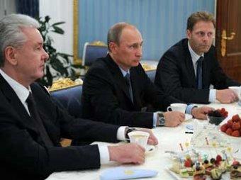 Путин согласился освободить старшеклассников от домашних заданий ради театров и музеев