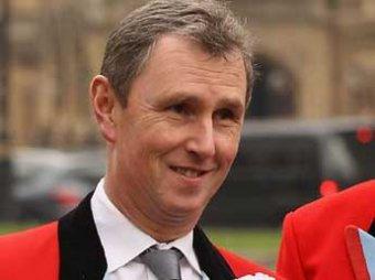 Вице-спикер парламента Британии ушел в отставку после секс-скандала с изнасилованием мужчин