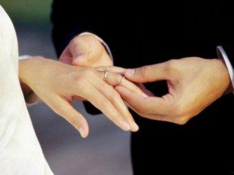 Свадьба 11-летнего жениха и 9-летней невесты вызвала скандал в Египте