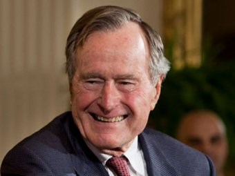 """Джордж Буш-старший """"заживо похоронил"""" бывшего  президента ЮАР"""