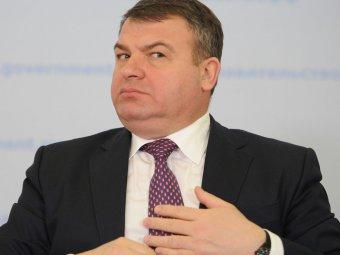 СП: Сердюков заплатил за гостиницу во Франции 424 тыс рублей из бюджета