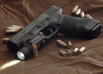 Рогозин поручил разобраться с закупкой «золотых пистолетов» Glock для спецназа ГРУ