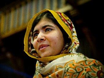 """Премию Сахарова """"За свободу мысли"""" присудили раненной в голову пакистанской девочке"""