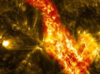 Астрономы: на поверхности Солнца разверзся гигантский огненный каньон