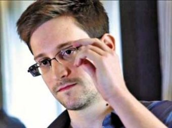 Экс-сотрудник ЦРУ Эдвард Сноуден нашел работу в России