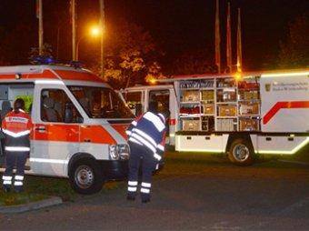 В Германии налетчик в закусочной захватил 12 заложников и угрожает взрывом