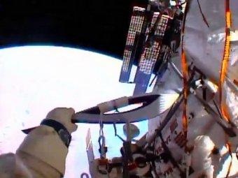 Олимпийский факел впервые вынесли в открытый космос