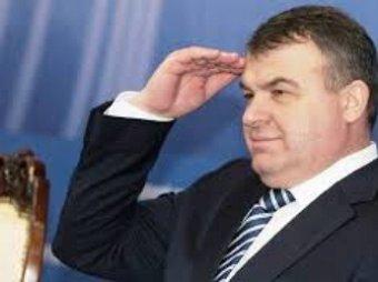 СКР нашел еще более тяжкую статью для Сердюкова