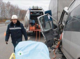 Массовая авария на мосту из Саратова в Энгельс, повлекла за собой огромную пробку