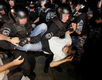 """""""Беркут"""" разогнал Майдан в Киеве: """"людей просто убивали палками!"""""""