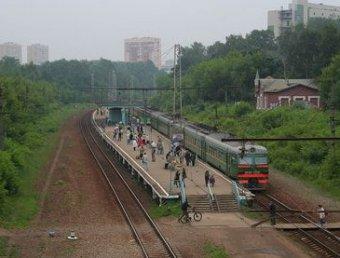 В Москве электричка насмерть сбила четырех молодых людей