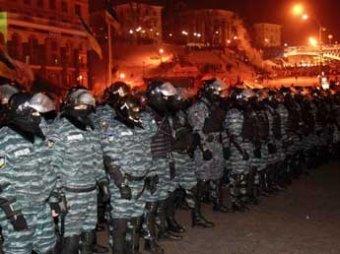 Янукович принял решение о штурме Майдана, США приняли эту новость с отвращением