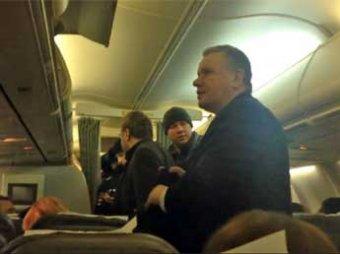 Суд арестовал челябинского чиновника Третьякова за дебош в самолете