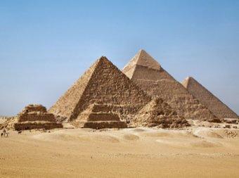 Снег в Египте 2013: в Сети появились фото заснеженных пирамид (ФОТО, ВИДЕО)