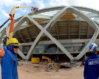 На стройке стадиона ЧМ-2014 за день погибли два рабочи