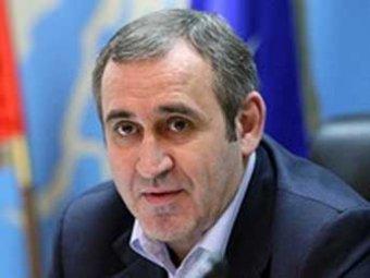 """После """"дачного"""" скандала комиссия Госдумы отказалась проверять декларацию Неверова"""