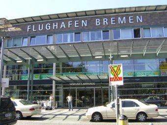 Работу аэропорта Бремена парализовало НЛО