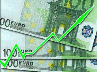 Евро впервые в истории стоит больше 48 рублей
