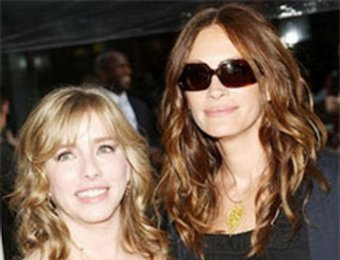 Покойная сестра Джулии Робертс в предсмертной записке обвинила актрису в насмешках