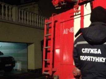 Радикалы сожгли дом лидера Компартии Украины Симоненко